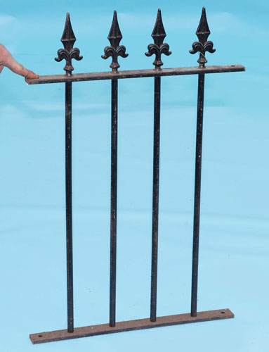 Railings with 'fluer de leys' finials